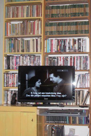 uitgebreide dvd collectie in de zitkamer