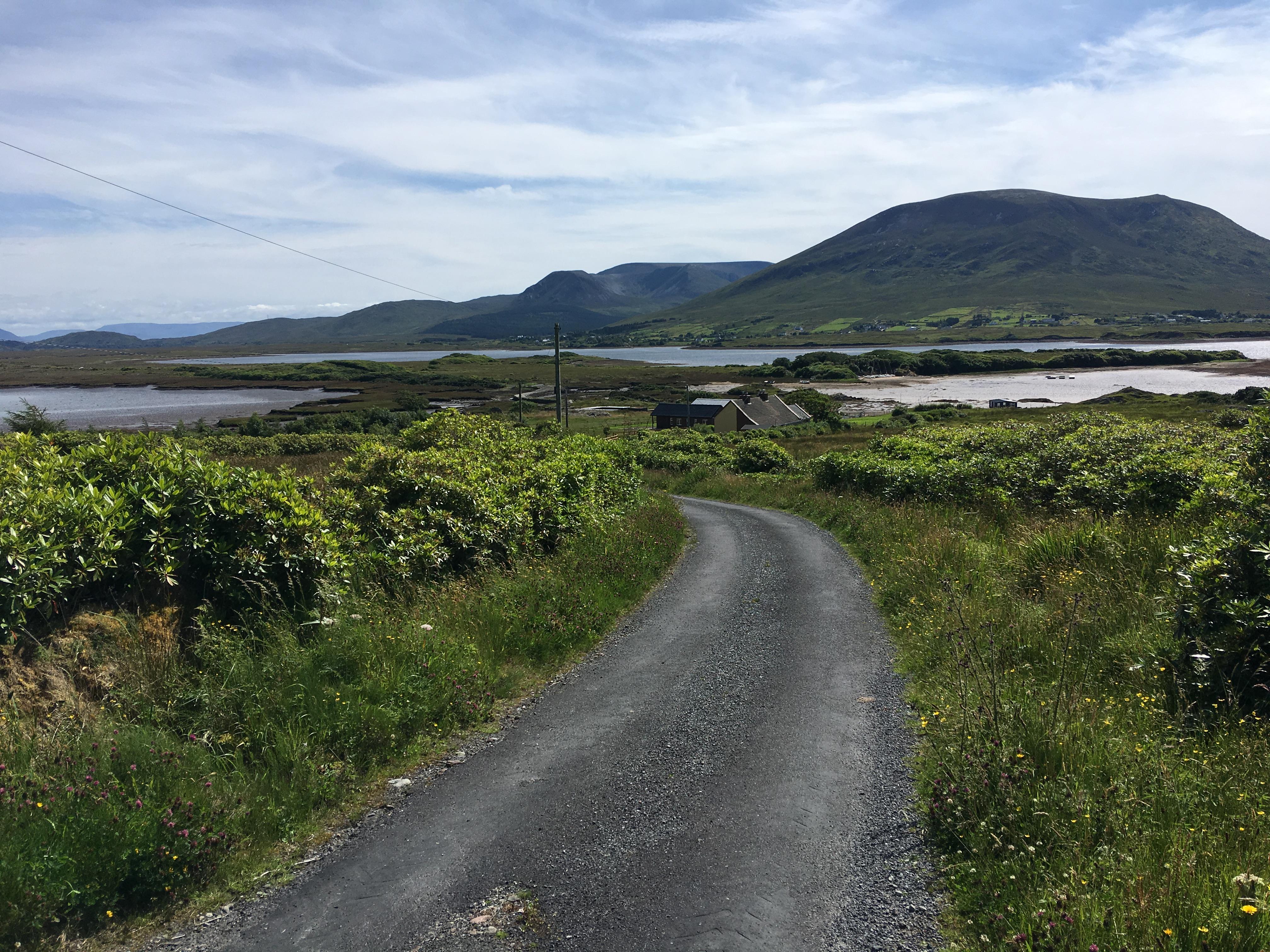 Ballycroy, Claggan met Polranny Mountain in de verte